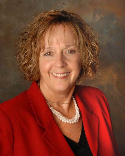 Debbie Cox | Carpenter Realtors, Inc.