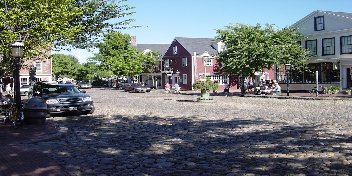 Mid island nantucket ma neighborhood windwalker william for Real estate nantucket island
