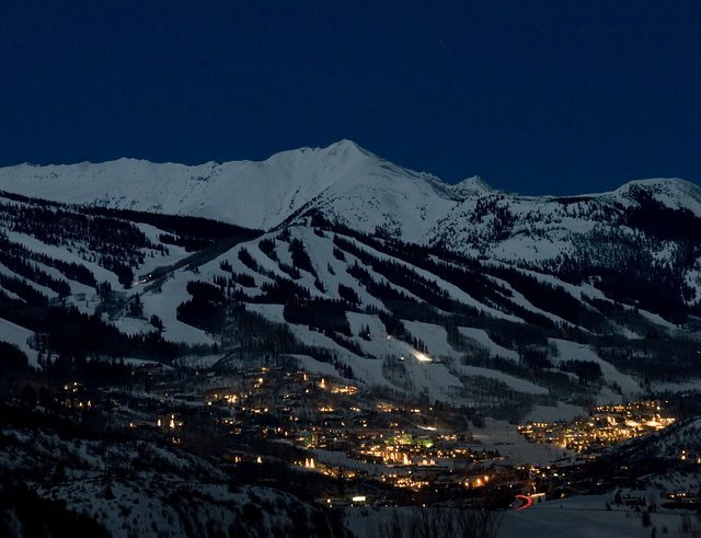 snowmass village singles Learn why snowmass village is the perfect mountain vacation destinations, and why guests of the limelight hotel snowmass can enjoy it like the locals do.