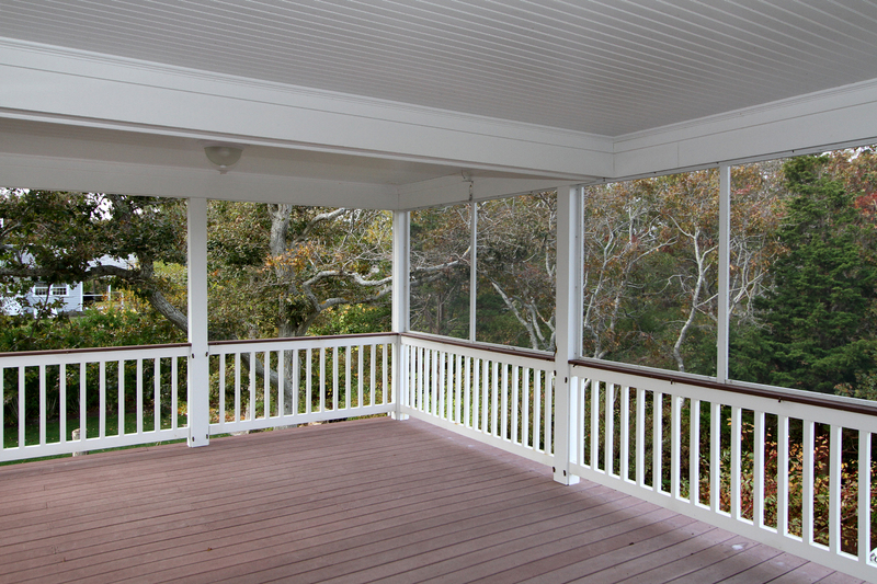 33 Jonathan Drive Screened In Porch