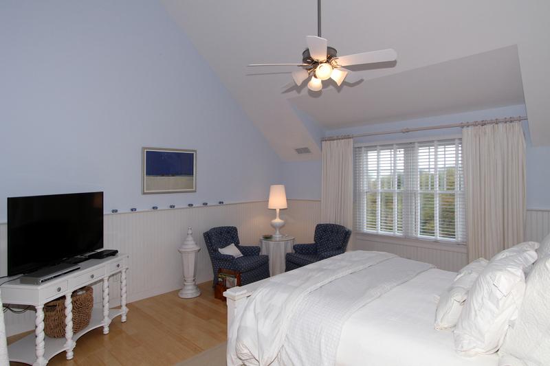 33 Jonathan Drive Master Bedroom