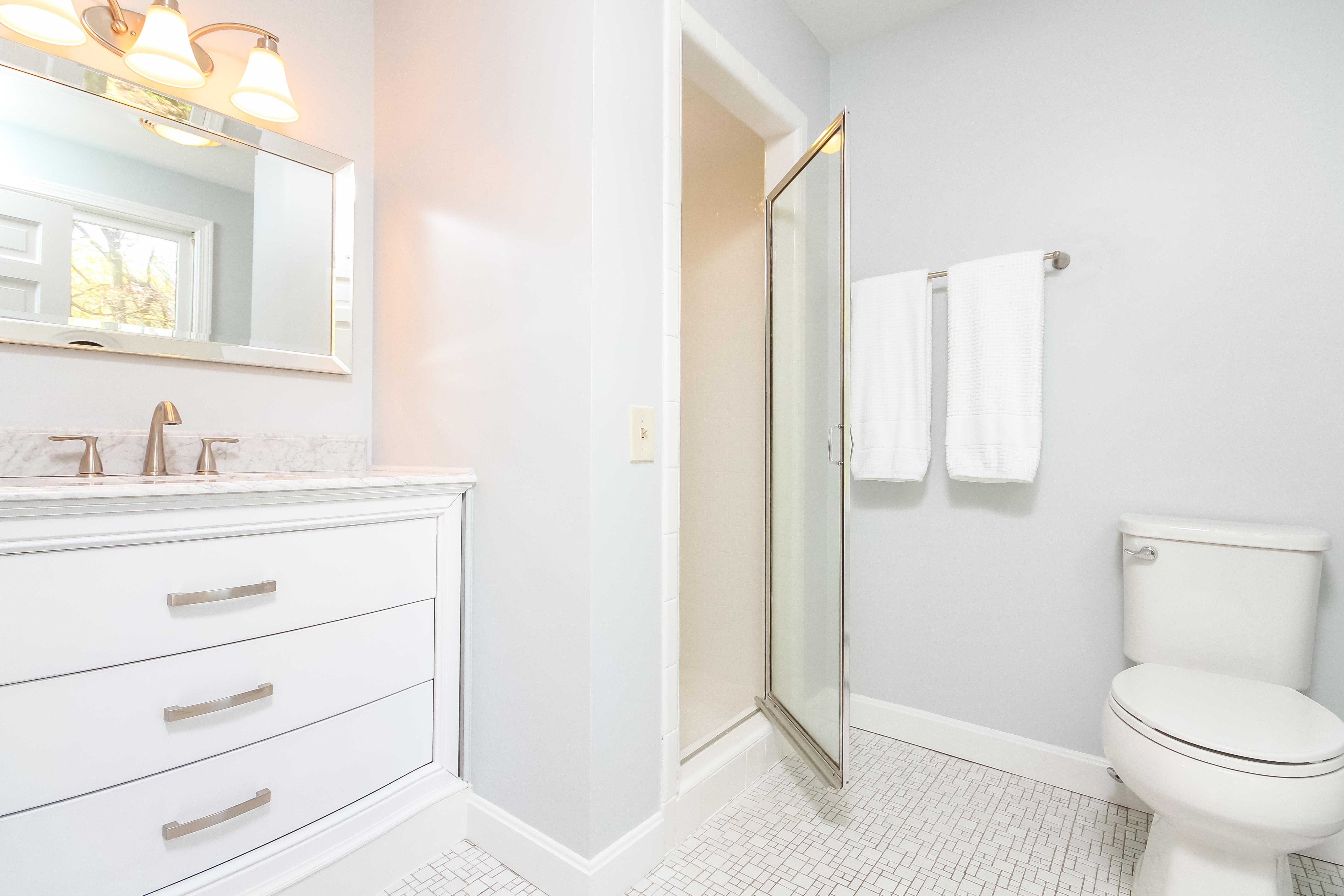 Bathroom suites warwick - 49 Heritage Dr Heritage Park Warwick Ri 02818