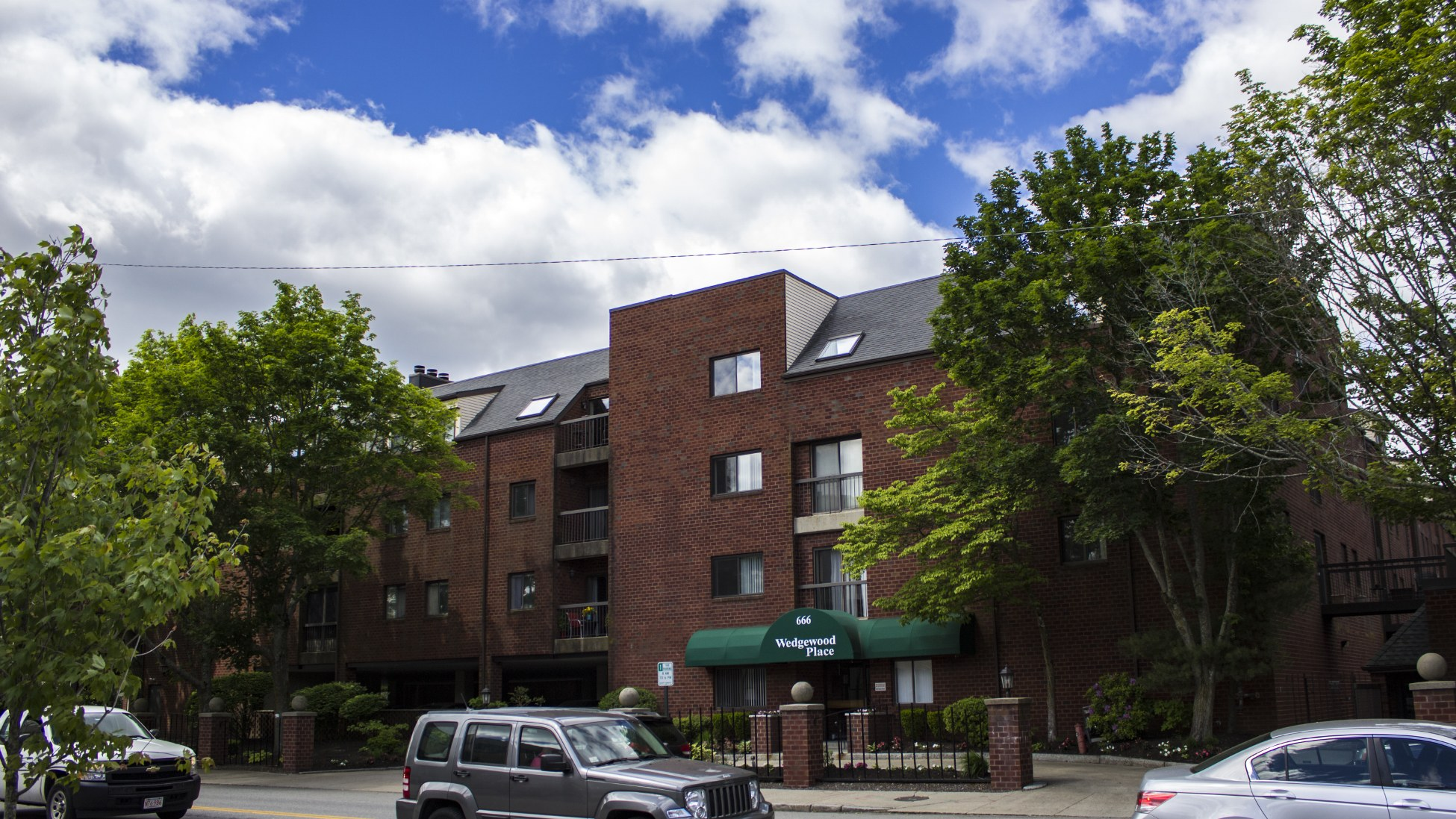 Wedgewood Place Condos Current Listings &