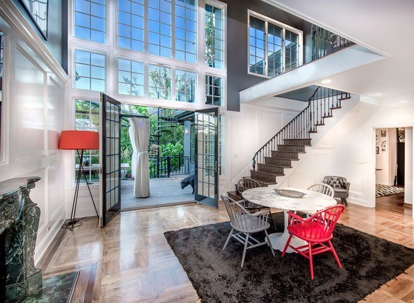 3430 Wonderview Dr In The Hollywood Hills
