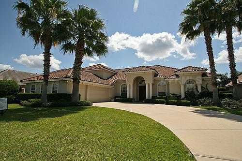 A beautiful home in the Dr. Phillips community located in Orlando Florida