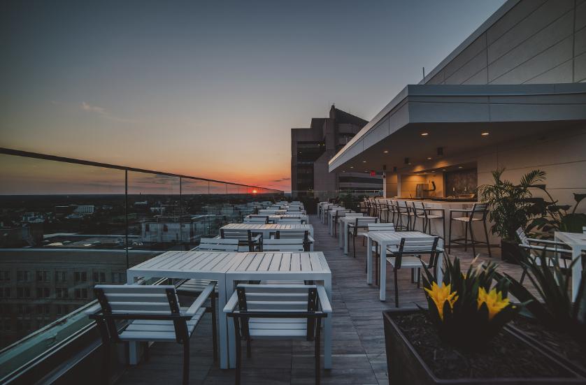 content_kabana_rooftop_bar.png